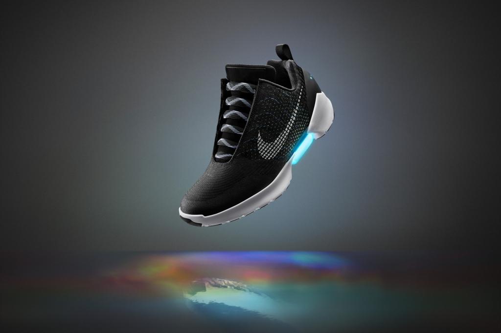 FeaturesHyper Adapt – Nike's self-lacing Shoes