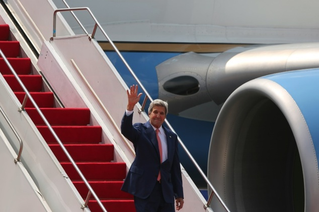 Allow people to hold protests Kerry tells India