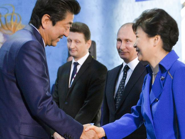 South Korean President Park Geun-hye, right, and Japanese Prime Minister Shinzo Abe consulted each other following news of North Korea's latest nuclear test.