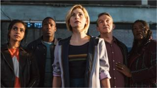 Jodie Whittaker with (left-right) Mandip Gill, Tosin Cole, Bradley Walsh and Sharon D Clarke