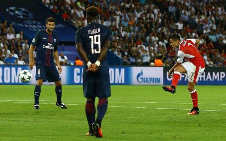 Image Text Alexis Sanchez makes it 1-1 at the Parc des Princes