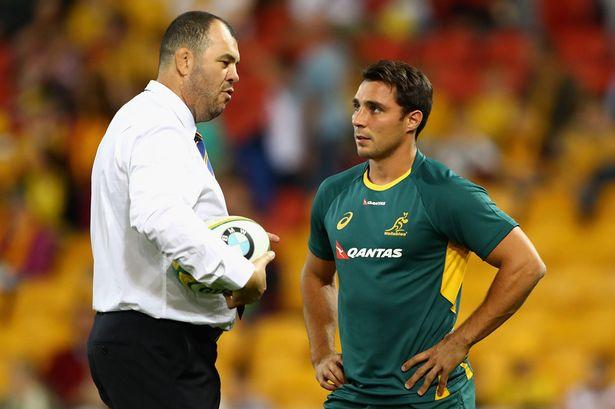 Wallabies coach Michael Cheika talks to Nick Phipps